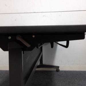 【会議などで急な増設に必要なテーブル】【コクヨ製】横1800mmと広く使え るテーブルとなります その他シリーズ(中古)