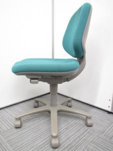 【専門業者によりクリーニング済み】【コンパクトで座りやすくオフィスにピッタリ!!】オカムラ製 SXチェア[sx](中古)