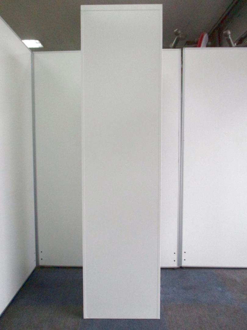 【スタイリッシュなロッカー!】オカムラ製のホワイト色!【鍵掛かります!】 その他シリーズ(中古)