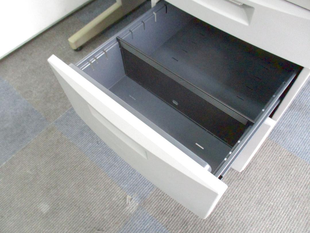 【在庫入れ替えセール品!】限られたスペースにも設置可能なコンパクトサイズ!【汚れが目立ちにくいグレー!】[CZ DESK](中古)