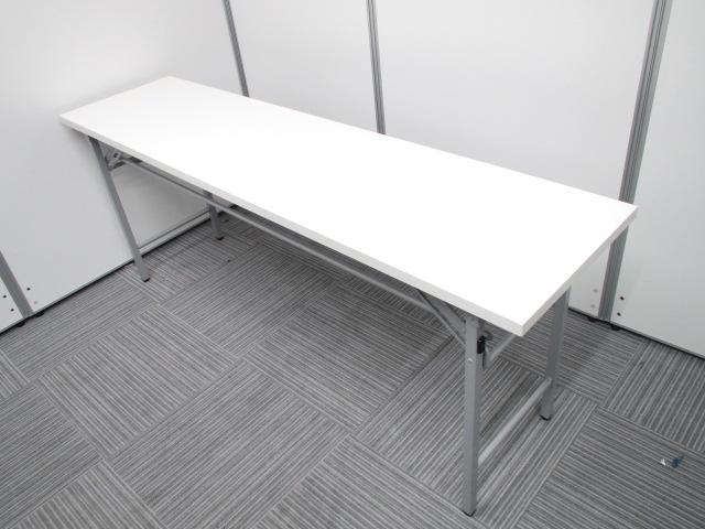 【大人気のホワイト天板】¥5.000→¥4.000 折り畳み机 W1800 D450 H700 テーブル ミーティング 早い者勝ち 便利|その他シリーズ(中古)