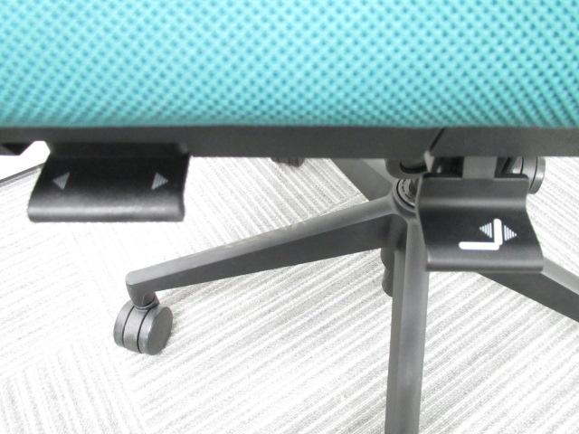 【専門業者によりクリーニング済み】ウチダ製 エルフィ(Elfie) 体にフィットしやすいチェアです! 快適な座り心地をお届けします|エルフィ[Elfie](中古)_10