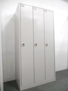【個人の荷物・衣類の管理に!】■イトーキ製 3人用ロッカー