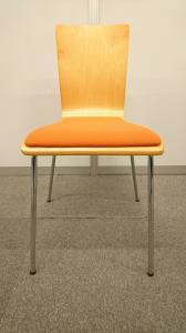 【鮮やかなオレンジのスタッキングチェア!】オフィスが明るい雰囲気に!!|その他シリーズ(中古)