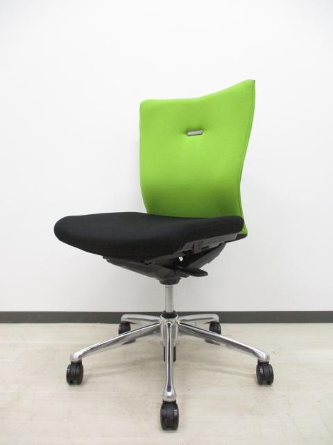 【トレンドカラー】■エルゴノミクス(人間工学)に関する豊富な研究成果をもとに、快適な座り心地と使いやすさを徹底追及して開発されたチェア‼