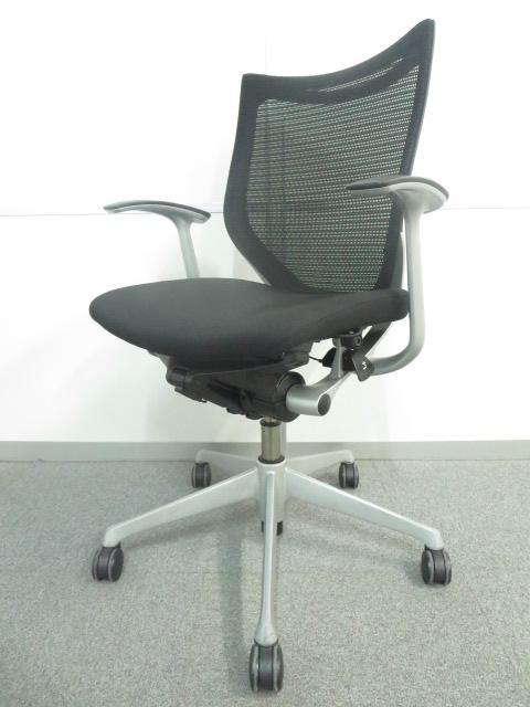 【デザインと座り心地の良さが人気です!】■オカムラ製 バロンチェア ブラック