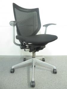 【デザインと座り心地の良さが人気です!】■オカムラ製 バロンチェア ブラック[Baron](中古)