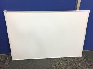 【1個限定!】壁掛けホワイトボードが入荷いたしました!本体のみ!