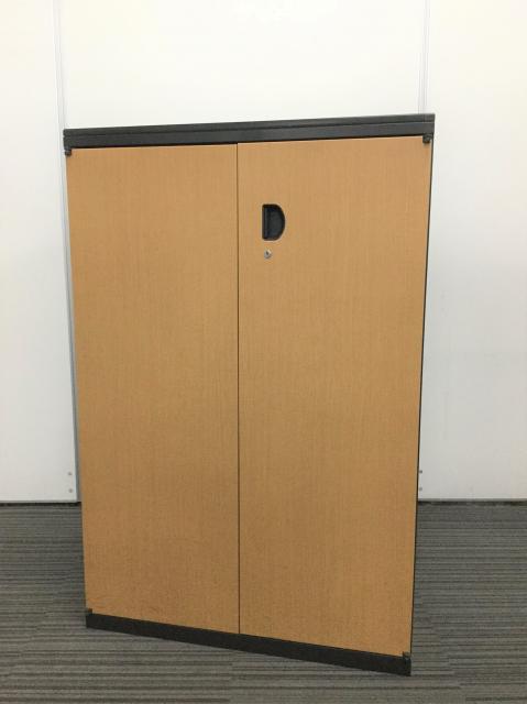 【10台入荷】オカムラ製 両開き書庫木目調書庫がまとまって入荷です!