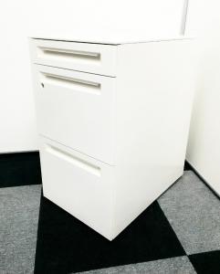 【大量入荷 状態良好】A4ファイル2段収納のキャスター付きサイドキャビネット入荷!ホワイトカラーでオフィスを明るく!