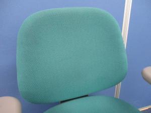 [まとまって14脚入荷!!]岡村製作所製 SXチェア グリーン■オカムラの定番チェアがローバック仕様で入荷!!異硬度クッションにより座り心地GOODです!![グレーシェル] [sx](中古)