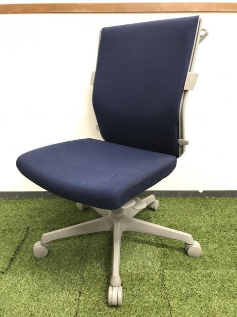 [10脚以上入荷][状態良好]オフィスシーンでの快適性を高める機能満載!![ワンランク上のハイチェア]
