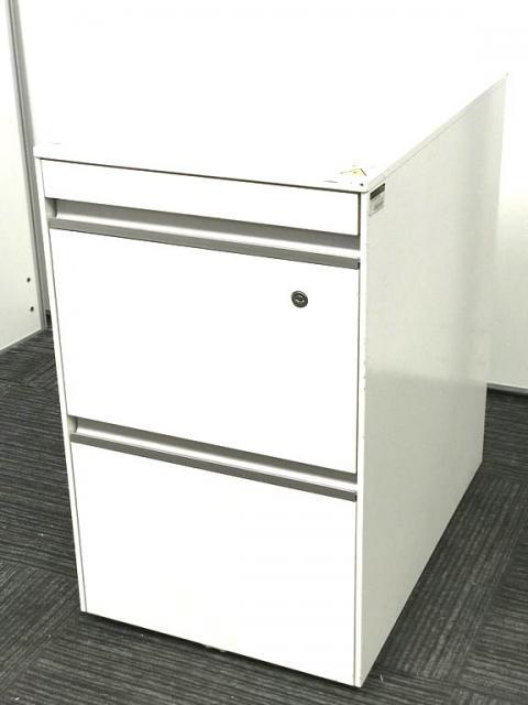 【イトーキ製・ホワイトカラー】3段ワゴン入荷!オフィスを明るくするカラーです!