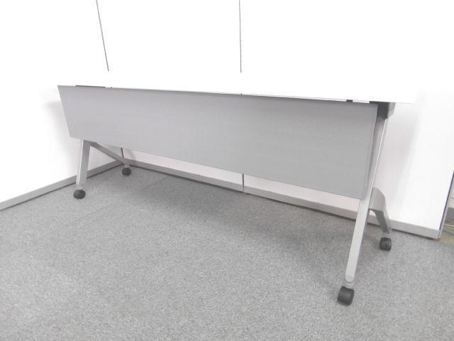 【国産メーカー人気のサイドスタックテーブル・天板ホワイト】■オカムラ製 ■ホワイト
