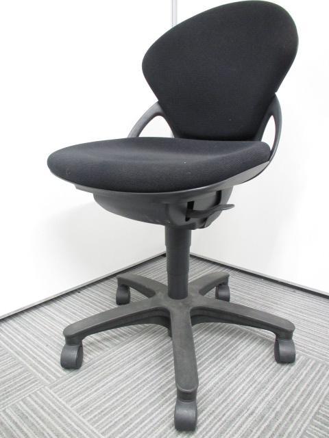[専門業者によりクリーニング済み][コンパクトでかわいい]イトーキ プレーゴチェア オフィスチェア 事務椅子 ブラック オススメ!