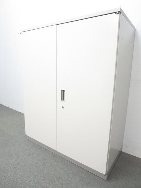 【オフィスにフィットするデザイン!】■イトーキ 両開き書庫(天板付)