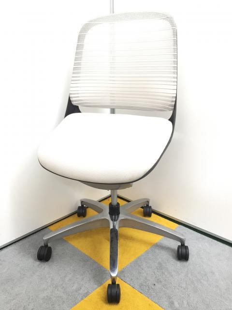 【5脚入荷!】【安心感のある座り心地!】オフィスチェア