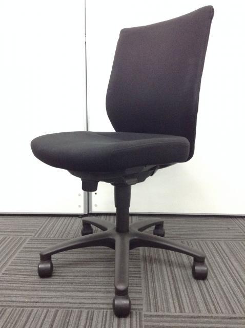 【11脚入荷】快適な座り心地を追求したオカムラ製CXチェア