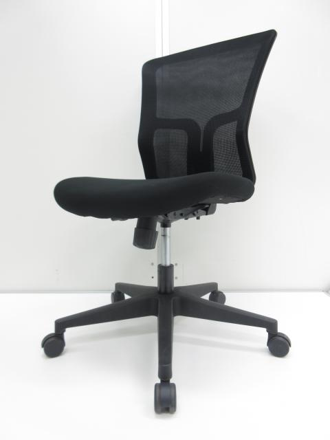 【今なら6脚揃います!!】人気のブラック!!お買い得なオフィスチェア!!【背もたれは爽やかなメッシュ仕様!!】