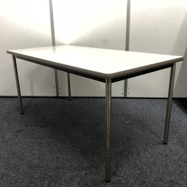 【広めの4人掛け】オカムラ製8ミーティングテーブル【4本脚タイプ】