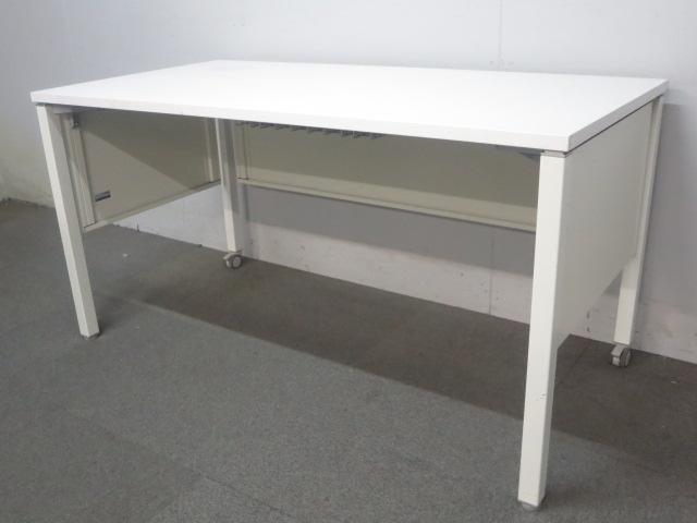 【レイアウト自在のキャスター付】■オカムラ製 ワークテーブル(W1400mm)ホワイト■【フリーアドレスオフィスにフィット!】