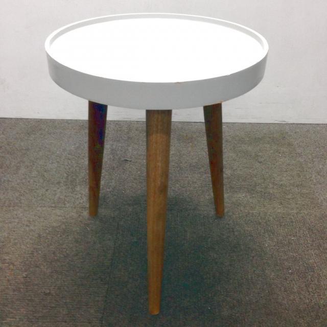 【レア】ちょっとしたスペースにサイドテーブルを☆