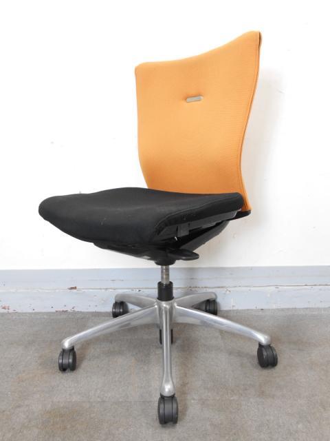 [大量入荷!]オカムラ フィーゴ 機能美を追求したオフィスチェア