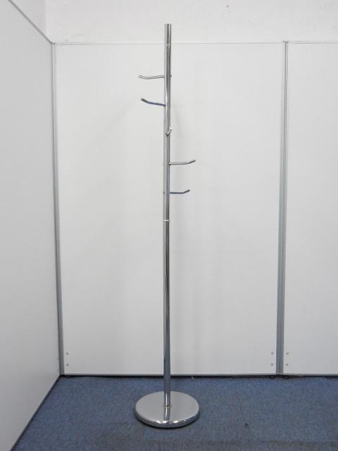 【シンプルなデザインのコートハンガー!】どんなお部屋にもマッチするシルバー!