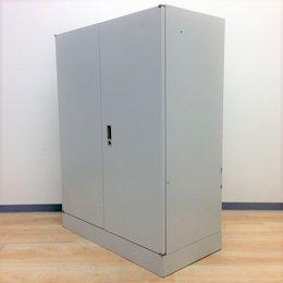 【在庫入替のため特別価格】シンプルな両開き書庫【H1200で収納力もあります】