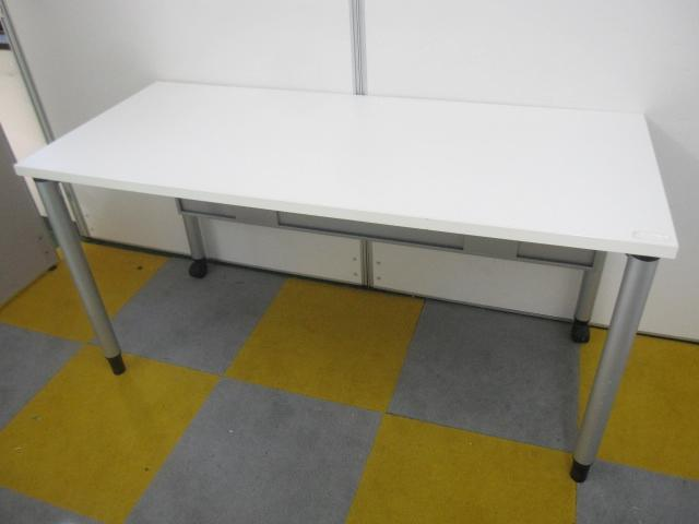 【片側キャスターで移動ラクラク!】【会議室や休憩室に!】平机やデスクとしても使えるミーティングテーブル