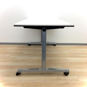 【人気のホワイトカラー!】■オカムラ製、ミーティングテーブル入荷です ■幅1500mmなので4名使用に最適![INTERACT PRO](中古)