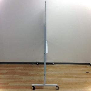 【部材欠けある為お安く】自立式ホワイトボード・幅1200mmのコンパクトサイズ!|その他シリーズ(中古)