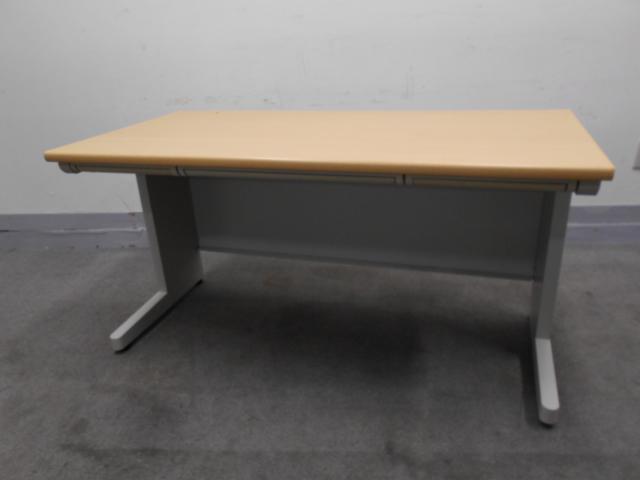 [落着きあるナチュラルカラー]事務机 W1400で作業スペースたっぷり 上長席におすすめ!