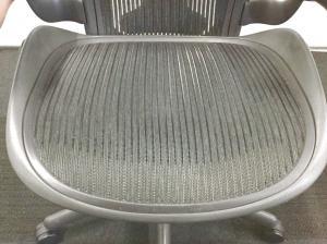 【小柄な日本人体系にも合う!】バナナクッションない為、オツトメ品!大量入荷!アーロンチェア!【Aタイプ(小さめサイズ)】[Aeron chair](中古)