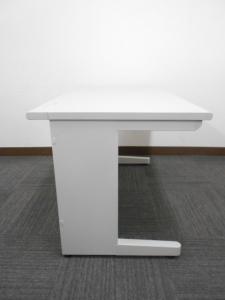 【定番サイズ】ナイキ製オフィスデスク 平机 オフィスの必需品|その他シリーズ(中古)