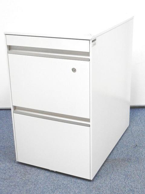 【8台入荷!】清潔感抜群のホワイトカラー!A4サイズが2段収納できる、フリーアドレス用ワゴン!