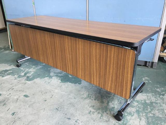 【2~3名】オカムラ製 サイドスタックテーブル キャスター付き 天板木目 【関西倉庫在庫】