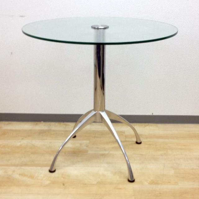 【レア商品入荷!】ガラス製の丸テーブル、インテリアにも最適な商品です!【限定1台】