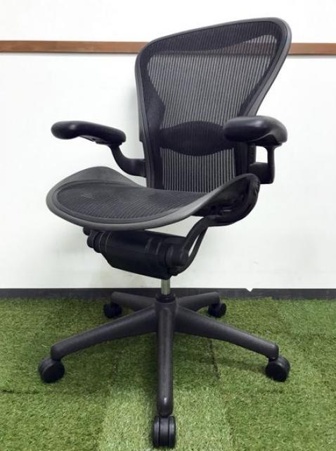 リクライニング不良につき|オフィスチェアの中で不動の地位を築き続けるアーロンチェア入荷|1脚限定の大特価!!