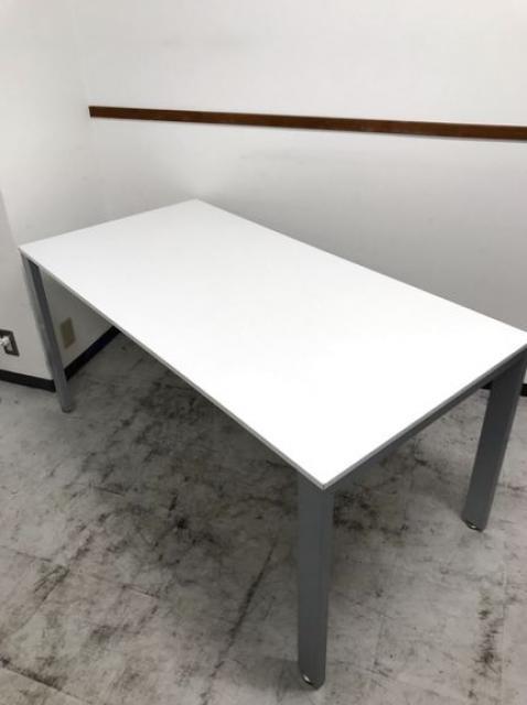 清潔感あるホワイトのミーティングテーブルが入荷致しました!