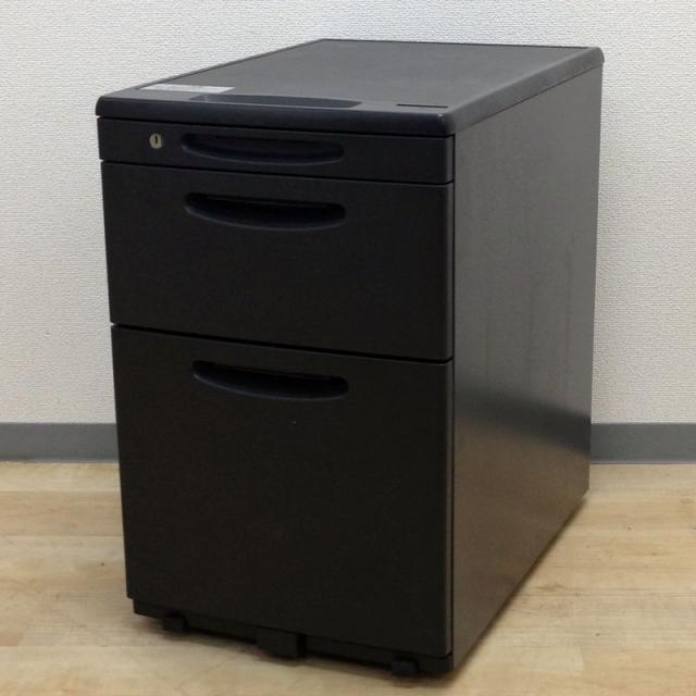 【黒ワゴン12台入荷!!】オフィスではグレーやホワイトが先行しているなか。黒の商品でオフィス内の雰囲気を変えちゃいましょ!!