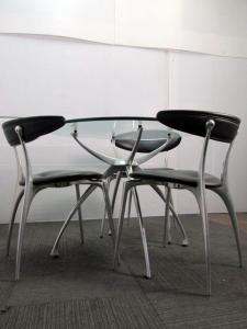 《おすすめ!!チェア4脚+テーブル1台の1セット》リンクのガラステーブルとチェアが入荷致しました♪|リンク(中古)