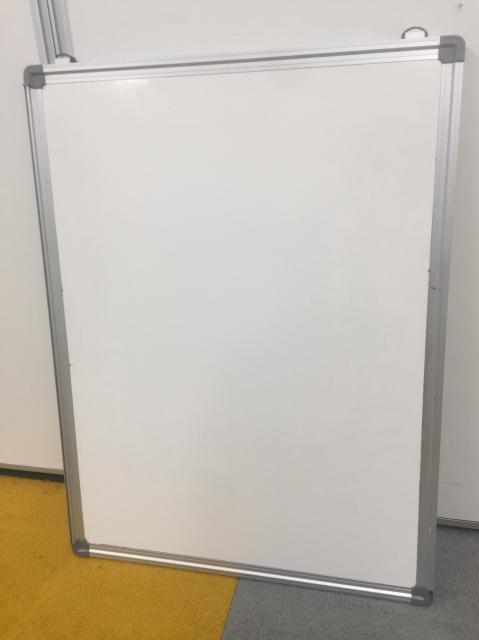 【壁に掛けて、連絡板に!】壁掛け片面ホワイトボード