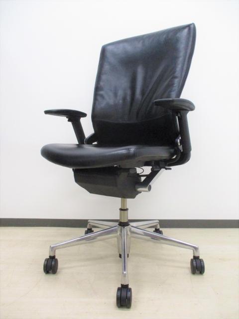 【新品定価約25万!】一流メーカー役員用の高級チェア!姿勢安定メカニズムの研究成果を応用し、長時間の着座業務の負担を軽減!