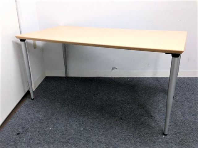 【木目調天板のちょうどいいサイズ】プラス製 ミーティングテーブル