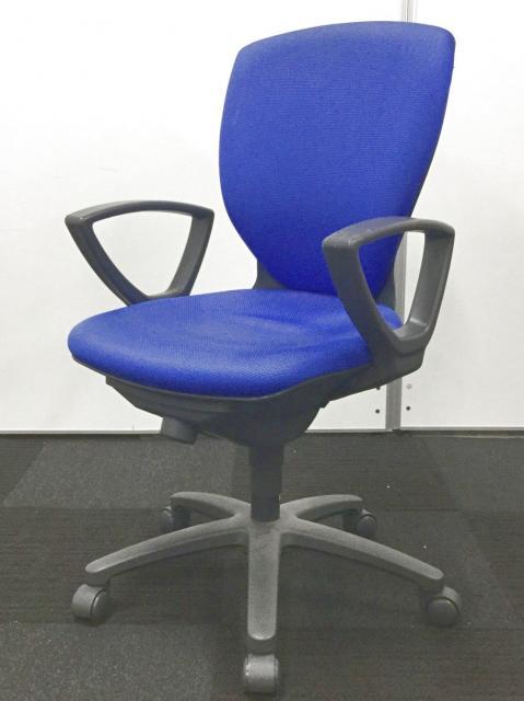 【肘付き・ブルー・1万円以下】と3拍子揃った事務椅子が6脚のみの限定入荷!
