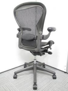 【高級チェア】Herman Miller(ハーマンミラー)アーロンチェア オフィスチェアの王様。ランバーサポート付きのフルオプションタイプ。[Aeron chair](中古)
