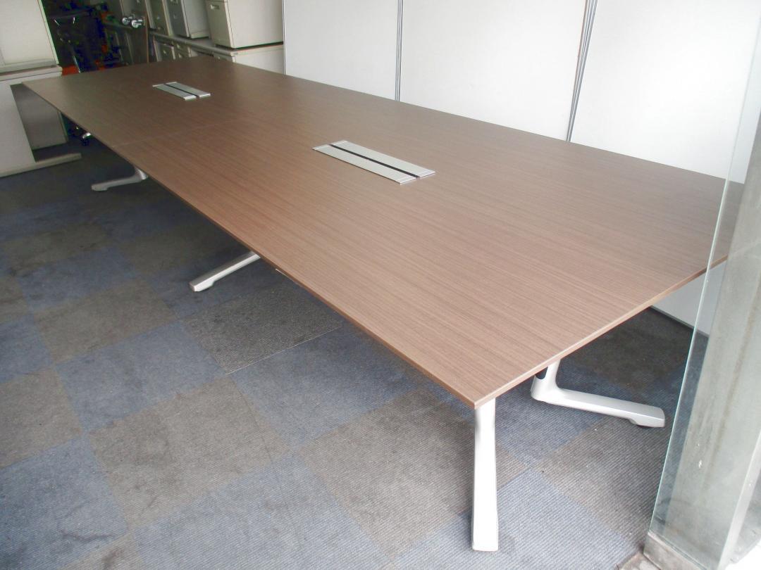 【超希少な大型テーブルが入荷!!】コンセプトは『発想と決断、加速させる瞬発力』!!【8~10名でのご利用がおオススメ!!】