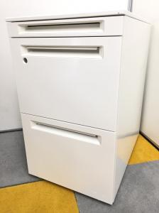 【ホワイトワゴン】オカムラ・アドバンス 高さ650mm A4ファイル2段収納可能な人気シリーズ!