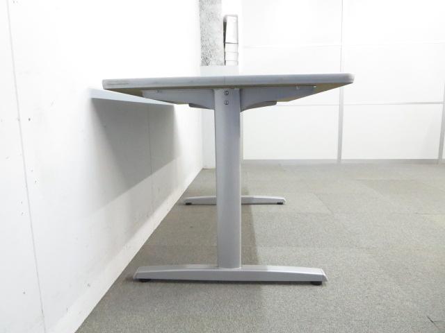 【スッキリとしたデザイン!】■オカムラ製 ミーティングテーブル(W1200mm)ホワイト|その他シリーズ(中古)